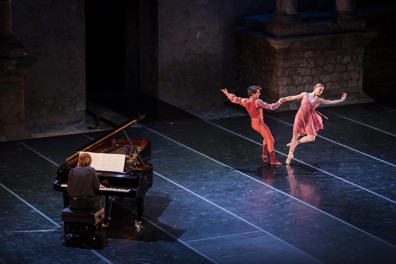 Danza en cuerpo y alma / Lucía Lacarra