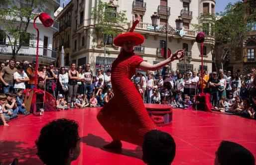 La danza en CIPAEM 2018: 'Rojo Estándar' de Lanördika circo y danza